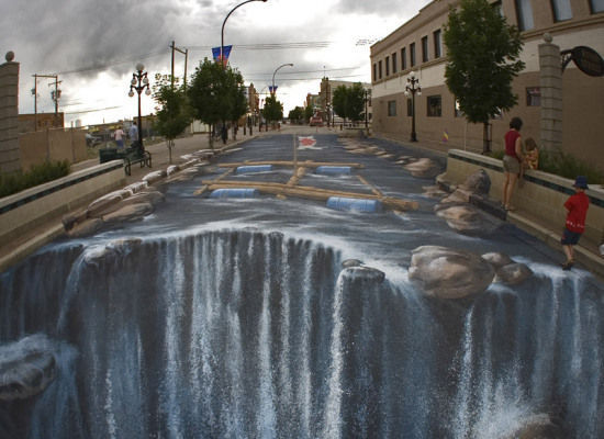 3D Sidewalk Art (via huffingtonpost.com)