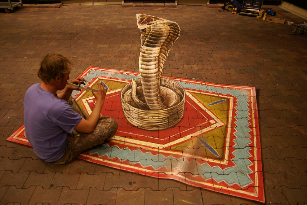 3D Chalk Art by Leon Keer (via streetpainting3d.com)